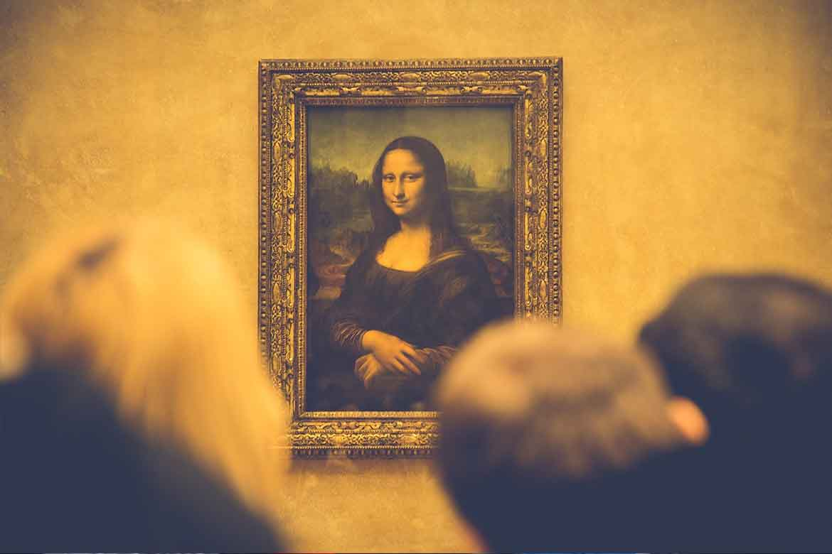 Mona-Lisa-Is-Moving-Out-from-the-Louvrea_Lisa_Painting_Is_Moving_Out_from_the_Louvre_2