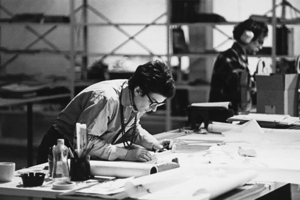 Phyllis Lambert trained as an architect and played a pivotal role in securing Mies van der Rohe's commission for the Seagram Building in New York City. Photo by Ron Milewski 1971, courtesy CCA – Fonds Phyllis Lambert