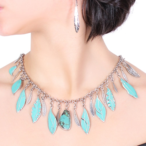 Turquoise Stone Collier