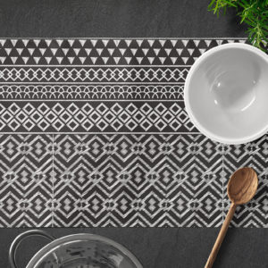 Farmhouse Table Mat by LF Home Black and white pattern _Textiles_online shopping Egypt Linesmag Store home decor